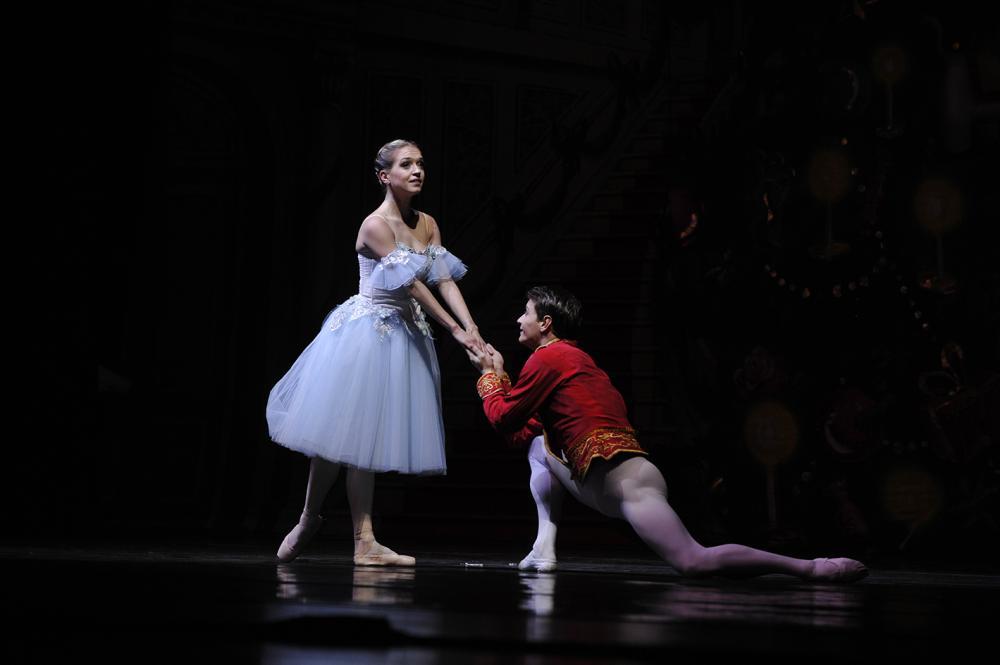 male ballet dancer on knee before ballerina