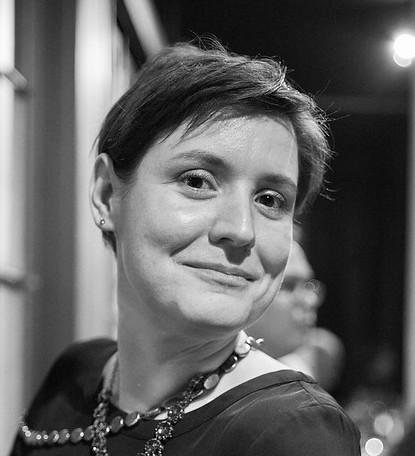 black and white photo of alexa offenhauer