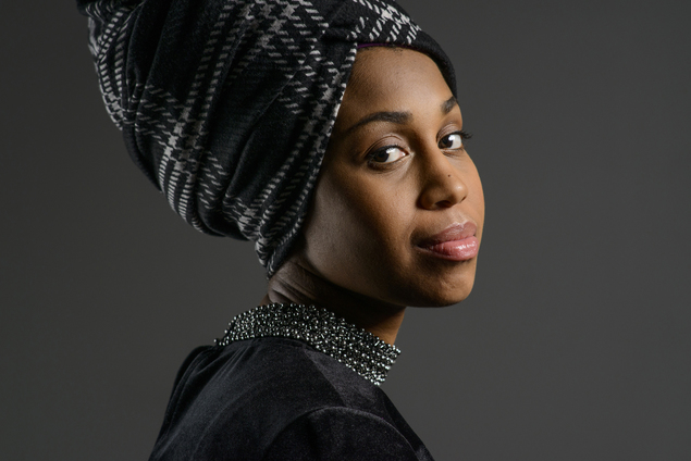 side view of jazzmeia horn