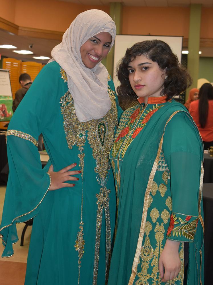 girls at muslim art association show
