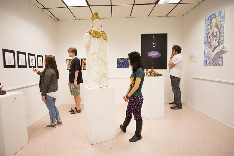 students in art gallery