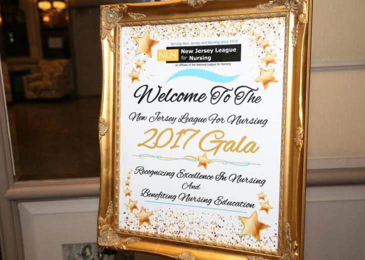 gala table sign