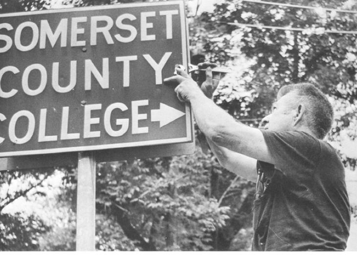 somerset county college sign