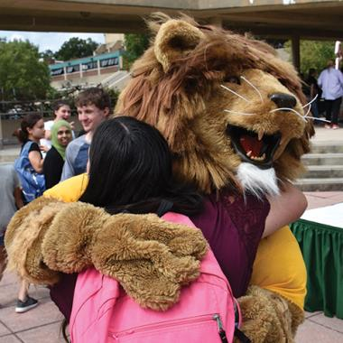 Fall Picnic 2019 Lion Hug