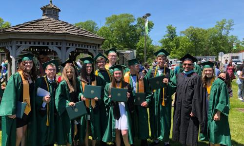 honors college grads at 2019 commencement