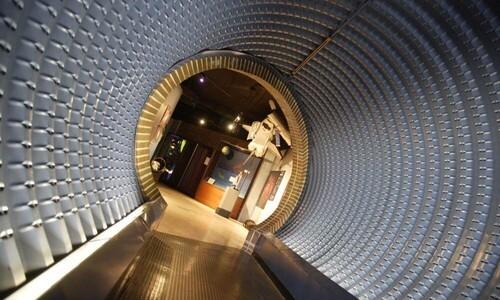 tunnel in planetarium