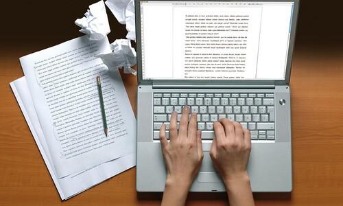 typing on laptap